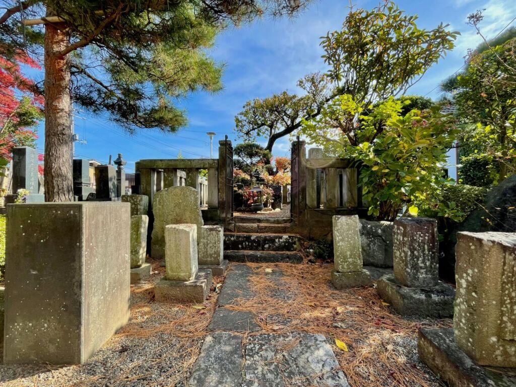 伊達晴宗公墓所
