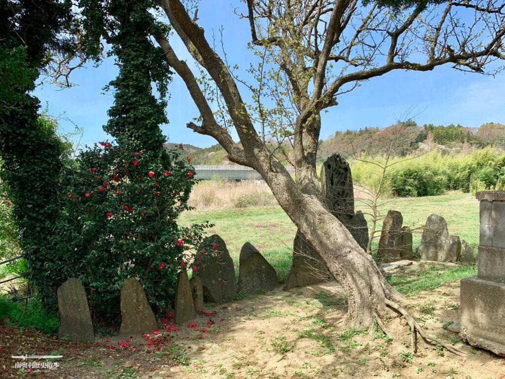 小僧丸義宣の墓