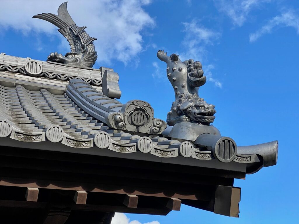山門の屋根瓦