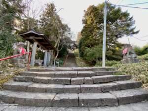 市登録有形文化財 亀岡八幡宮石段