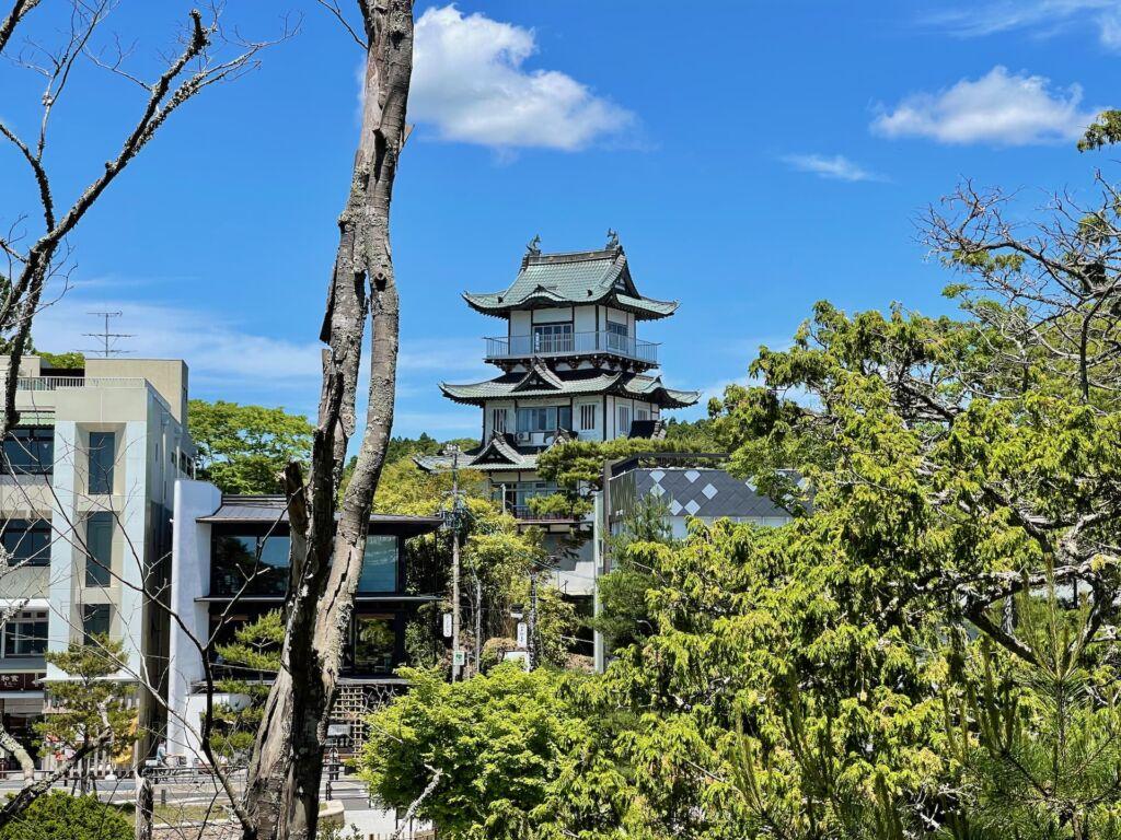 五大堂から望む松島城