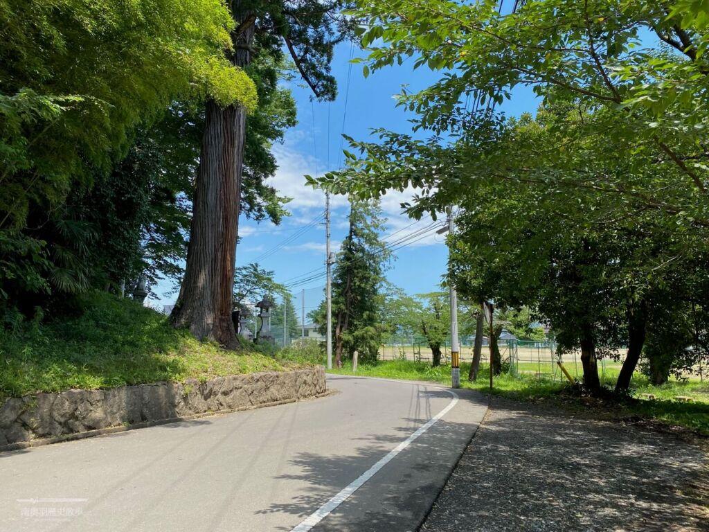 八幡神社付近の水堀跡